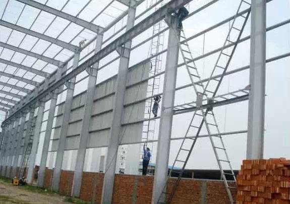 刚架钢结构厂房及钢排架结构厂房   尤其是当吊车吨位较大   单跨两台